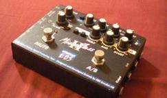 Micro Bass Ⅱ買って、アコギを借りて、クロノクロスのギター譜買った