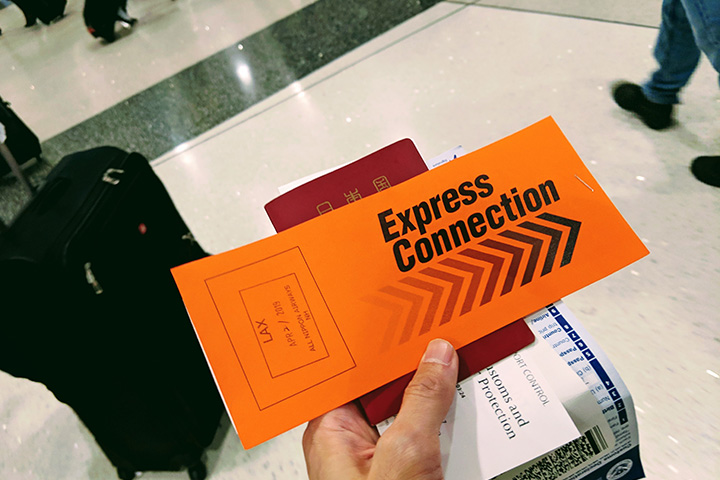1日遅れて空港に着いたけど偶然にもANAのはからいで国際線に乗れた話でもする