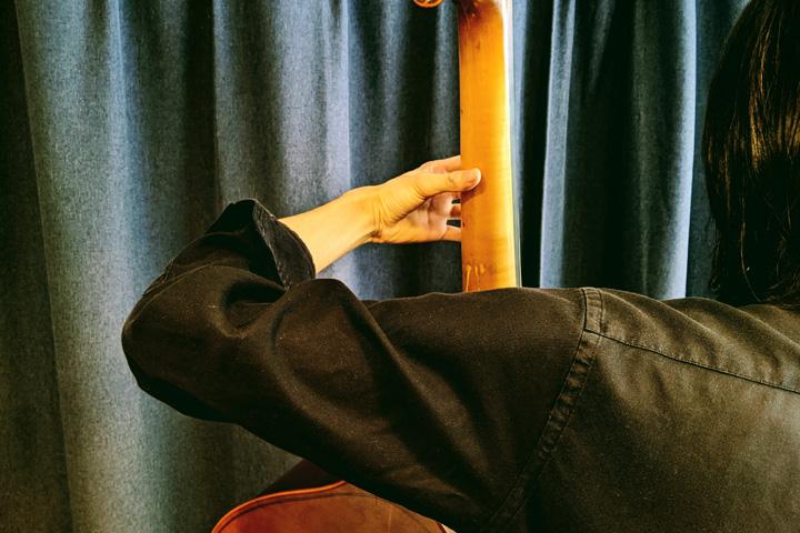 コントラバス/ウッドベースの左肘が下がってしまう人への特効薬